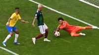 1. Guillermo Ochoa (Meksiko) - 25 kali penyelamatan. (AFP/Saeed Khan)