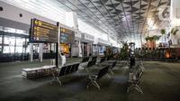 Suasana sepi di Terminal 3 Bandara Soekarno-Hatta, Tangerang, Banten, Senin (11/5/2020). Beberapa maskapai mulai membuka layanan penerbangan setelah Kementerian Perhubungan kembali membuka izin layanan transportasi umum pada Kamis lalu. (Liputan6.com/Faizal Fanani)