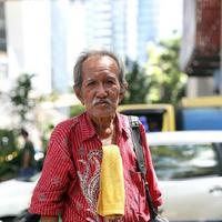 Kisah Kakek Tukang Foto Keliling yang Viral di Media Sosial    foto : Nurwahyunan