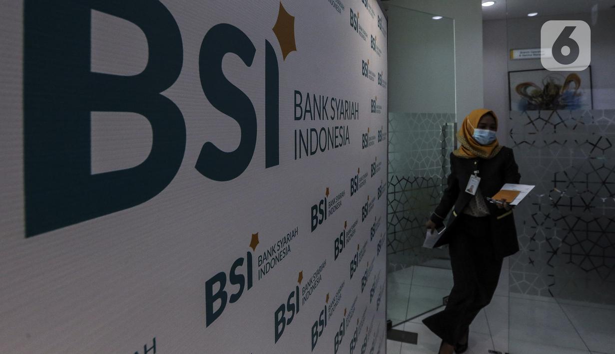 FOTO: Pelayanan Bank Syariah Indonesia Usai Diresmikan ...