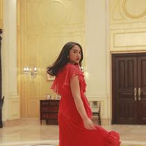 Putri Tanjung, anak dari konglomerat Chairul Tanjung. (dok. Instagram @putri_tanjung/https://www.instagram.com/p/BmCebyWFN8c/Asnida Riani)