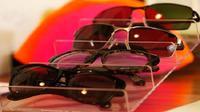 Kacamata Ini Bantu Penyandang Buta Warna Kembali Normal (sumber. CNBCC.com)