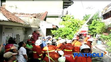 Hingga saat ini, aparat Polres Pelabuhan Tanjung Perak, masih menyelidiki lokasi kebakaran yang menewaskan 8 orang korban.