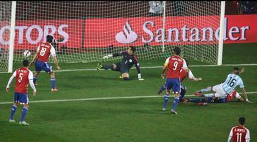 Cuplikan Semifinal Copa America 2015: Argentina vs Paraguay
