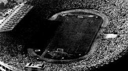Stadion Nasional Chili menjadi saksi sejarah pada pertandingan final Piala Dunia FIFA 1962 di Chile (17/06/1962) (fifa.com)