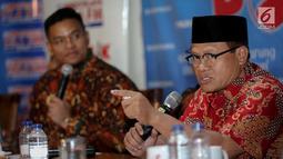 Sekjen Peradi, Sugeng Teguh Santoso memberikan paparan dalam diskusi polemik di Jakarta, Sabtu (15/7). Dalam kesempatan itu, Sugeng menilai bahwa pemerintah perlu bertindak tegas pasca-penerbitan Perppu No. 2 Tahun 2017. (Liputan6.com/Faizal Fanani)