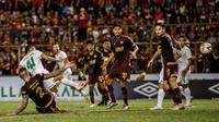 Persebaya Surabaya kalah dari PSM Makassar 1-2 di Stadion Andi Mattalatta Mattoangin, Makassar, Rabu (17/7/2019). (Bola.com/Aditya Wany)