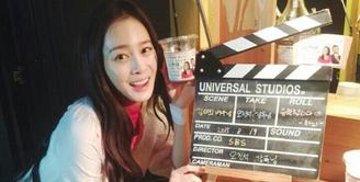 Tahun 2017 tampaknya menjadi tahun penuh kebahagiaan bagi Kim Tae Hee. Lantaran di tahun tersebut, ia resmi menikah dengan Rain. Selain itu, ia juga dikaruniai seorang putri cantik pada Oktober 2017. (Foto: instagram.com/taehee35)