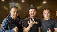 Ressa Herlambang bersama Ketua umum IPMI, Anto Jangkar dan Basuki Surodjo