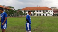 Eka Ramdani saat berlatih bersama Persib Bandung, Rabu (13/12/2017). (Bola.com/Erwin Snaz)