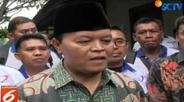 Hidayat juga meminta tidak ada pihak yang menyudutkan Prabowo terkait waktu pengumuman dan sosok cawapresnya.