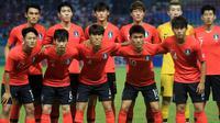 Timnas Korea Selatan U-23 sebelum melawan Iran pada laga 16 besar Asian Games 2018 di Stadion Wibawa Mukti, Cikarang, Kamis (23/8/2018). (Bola.com/Dok. INASGOC)