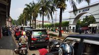 Situasi Jalan Menuju Taman Margasatwa Ragunan, Jakarta Selata pada Minggu (9/6/2019). (Foto: Ady Anugrahadi/Liputan6.com)