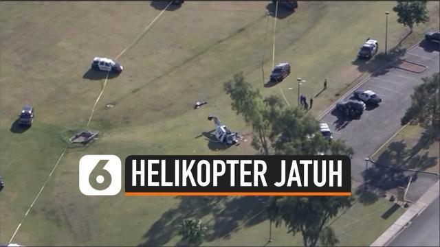 Kecelakaan maut terjadi di Arizona Amerika Serikat. Sebuah pesawat helikopter jatuh dan menewaskan 1 orang penumpang.