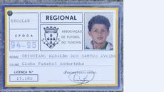 Kartu anggota klub Andorinha yang merupakan klub Cristiano Ronaldo saat berusia 9 tahun. (AFP/ Gregorio Cunha)