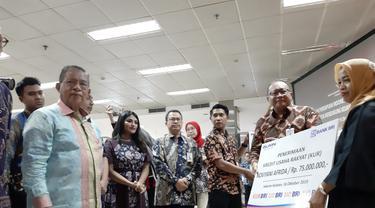 Menko Perekonomi Darmin Nasution dan CEO dan Co-Founder Zilingo Ankiti Biso