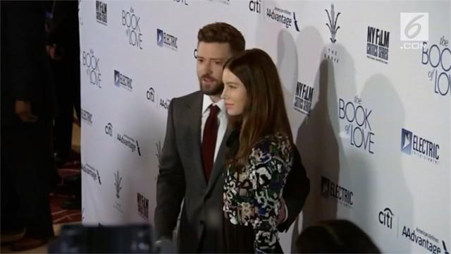 Jessica Biel curhat bagaimana sulitnya menjadi seorang ibu. Bersama Justin Timberlake, Biel dikaruniai seorang putra berusia tiga tahun.