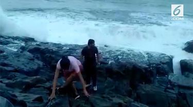 Seorang Turis India, Sasikumar, Tewas Terseret Ombak Ketika Sedang Menikmati Pemandangan Laut.