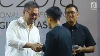 CEO KapanLagi Youniverse (KLY), Steve Christian saat mendapatkan penghargaan saat menghadiri Youth On Top National Conference  (YOTNC) 2018 di Balai Kartini, Jakarta, Sabtu (25/8). (Merdeka.com/Imam Buhori)