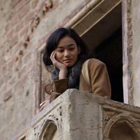 Carrie sedang membayangkan bertemu Romeo-nya di Verona.