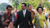 Salah satu tokoh nasional yang juga sebagai Gubernur DIY, Sri Sultan HB X dan GKR Hemas terlihat hadir di Gedung Graha Saba Buana. (Adrian Putra/Bintang.com)