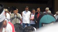 Calon Presiden nomor urut 01, Jokowi saat menemui relawan di Stadion Sriwedari Solo.(Liputan6.com/Fajar Abrori)