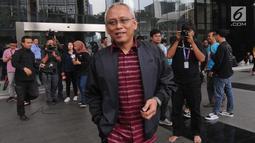 Anggota DPR Fraksi PDIP, Arif Wibowo meninggalkan Gedung KPK usai menjalani pemeriksaan di Jakarta, Kamis (7/4/2019). Arif Wibowo diperiksa dalam kapasitas sebagai saksi untuk melengkapi berkas penyidikan tersangka Markus Nari terkait kasus dugaan korupsi pengadaan e-KTP. (merdeka.com/Dwi Narwoko)