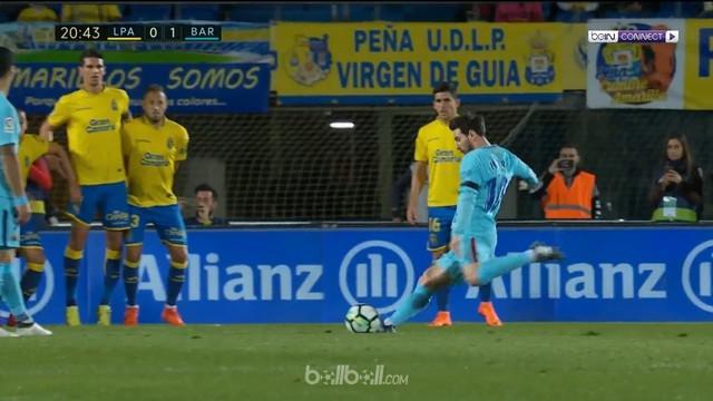 Berita video gol indah free kick Lionel Messi ke gawang Las Palmas dalam lanjutan La Liga 2017-2018. This video presented by BallBall.
