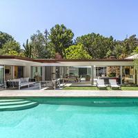 Rumah Jamie Dornan (Foto: Variety)