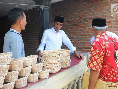 Jokowi Tinjau Industri Rotan di Cirebon