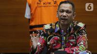 Wakil Ketua KPK, Nurul Ghufron memberi keterangan terkait penahanan mantan Dirut Perumda Pembangunan Sarana Jaya, Yoory C Pinontoan di Gedung KPK, Jakarta, Kamis (27/5/2021). Yoory merupakan tersangka dugaan korupsi pengadaan tanah pembangunan rumah DP Rp 0,-. (Liputan6.com/Helmi Fithriansyah)