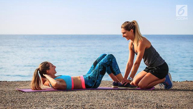 Bukan Sit Up Untuk Atasi Perut Buncit Tapi 2 Olahraga Ini Health Liputan6 Com