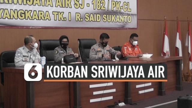 Korban jatuhnya Sriwijaya Air SJ182 kembali berhasil diidentifikasi. Tim forensik rilis 5 korban tambahan yang berhasil diketahui identitasnya.