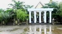 Rohadi memiliki rumah mewah, rumah sakit, salon kecantikan hingga tanah belasan hektare.