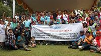 Kopi Darat KPCDI bekerjasama dengan AvShunt Indonesia pada Minggu (15/4/2018) di Taman Wiladatika Cibubur, menuntut pemerintah memperhatikan kepentingan pasien gagal ginjal (Foto: Istimewa)