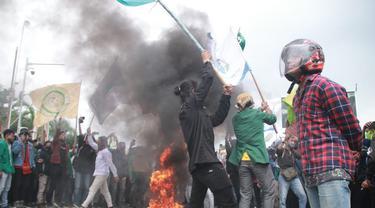 Demo Penolakan Omnibus Law di Gorontalo Berujung Ricuh, 10 Mahasiswa Hilang