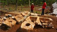 Batu yang ditemukan warga di Dusun Kenteng, Desa Karangasem, Kecamatan Paliyan, Rabu (8/8/2018). (Harian Jogja/Herlambang Jati Kusumo)