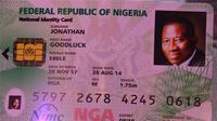 Dalam rangka memperbaiki catatan kependudukan negaranya, Presiden Nigeria Goodluck Jonathan meluncurkan KTP sekaligus ATM ini.