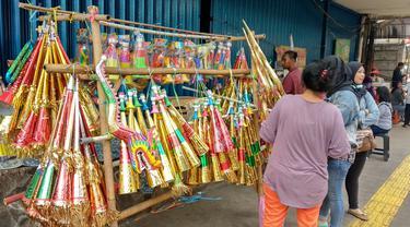 Penjual Terompet di Cikini