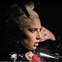 Lady Gaga pakai kuku cincin Rinaldy Yunardi (Instagram @rinaldyyunardiofficial)