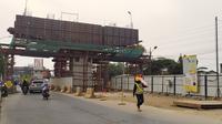 Konstruksi Jalan Tol Bogot Outer Ring Road (BORR) Seksi IIIA terus dikebut karena hingga kini progres pekerjaan baru mencapai 54 persen.