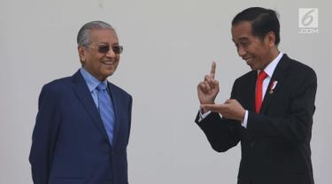 Jokowi dan PM Mahathir di Beranda Istana