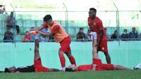 Suasana latihan Arema FC. (Bola.com/Iwan Setiawan)