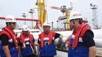 Direktur Logistik, Supply Chain & Infrastruktur Pertamina Gandhi Sriwidodo (kanan), Dirjen Migas Djoko Siswanto (kedua kanan) VP Supply & Distribution Fariz Aziz (kiri) dan GM MOR 1 Joko Pitoyo (kedua kiri). (dok. Humas Pertamina)