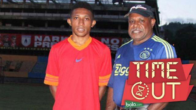 Setelah Evan Dimas di Espanyol B, kini Valencia memberikan kesempatan kepada 3 pemuda Indonesia untuk menjalani tes di Spanyol. Salah satunya adalah Revalino Utrech Collin Manibor dari klub Reliv Christa Holandia Papua.