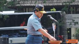 Citizen6, Nusa Tenggara Barat: Panglima TNI Laksamana TNI Agus Suhartono, membuka Latsitardanus XXXIII 2012, di lapangan Sangkareang Mataram, Nusa Tenggara Barat, Minggu (18/11/2012). (Pengirim: Badarudin Bakri).