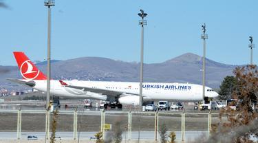 Diduga Tertular COVID-19, 132 Penumpang Turkish Airlines Dikarantina