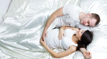 Hubungan Seksual, Cara Alami Atasi Kehamilan Lewat Bulan