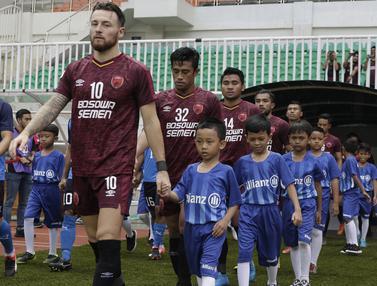 FOTO: Allianz Wujudkan Mimpi Putra Putri dari Suporter PSM Makassar