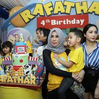Ultah Rafathar Anak Raffi Ahmad-Gigi (Bambang E Ros/Fimela.com)